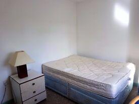 Double bedroom to let in top floor flat off Dereham Road. No agency fees.