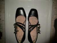 Ladies Top Shop,high heeled leather court shoe size 7 in black, excellent condition