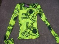 Ladies Lip Service skull top for sale