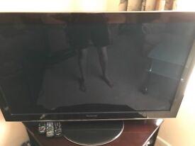 46 inch Panasonic tv 3D freesat freevei