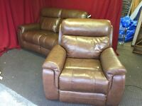 BROWN LEATHER ELECTRIC RECINING 2 SEATER SOFA WITH ELECTRIC RECLINING ARM CHAIR,CAN DELIVER