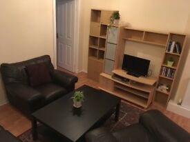 AVAILABLE NOW - 2 bedroom furnished flat, Easter Road - All bills included