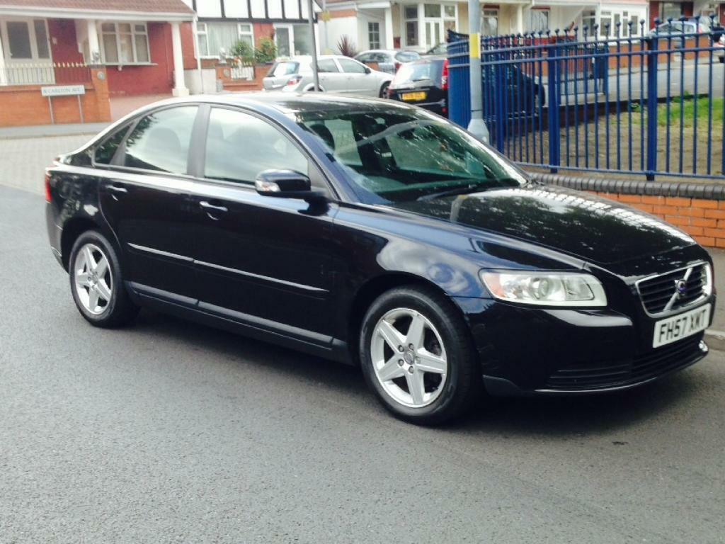 volvo s40 1 6 petrol 2007 black 1350 open to offers. Black Bedroom Furniture Sets. Home Design Ideas