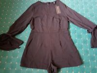 Women's New Look Black Bell Sleeve Dress Size-12