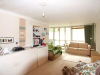 Delightful Two Bed Flat With Balcony Minutes to Tottenham Court Road, Oxford Street & Marylebone