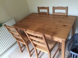 Cottage style table and 4 x chairs