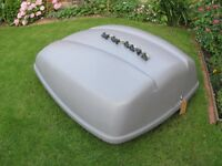Roof box for Car /Van/Camper/ Motorhome / or trailer lockable approx 350ltr