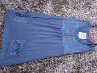 Mudd & Water Tunic. Organic clothing. So soft. Worn once. Size 8. With pockets at the front £5. Blue