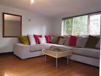 Room Share-Richmond-Professionals-Bills Inc-Wifi-Homely-Garden-1st August-£395pcm-Room 1