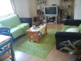 Lovely two bed flat to rent in Kings Worthy, Winchester. Walking distance to all local amenities