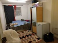 Small studio flat in harrow fully furnished and refurbished £700 per month including all bills