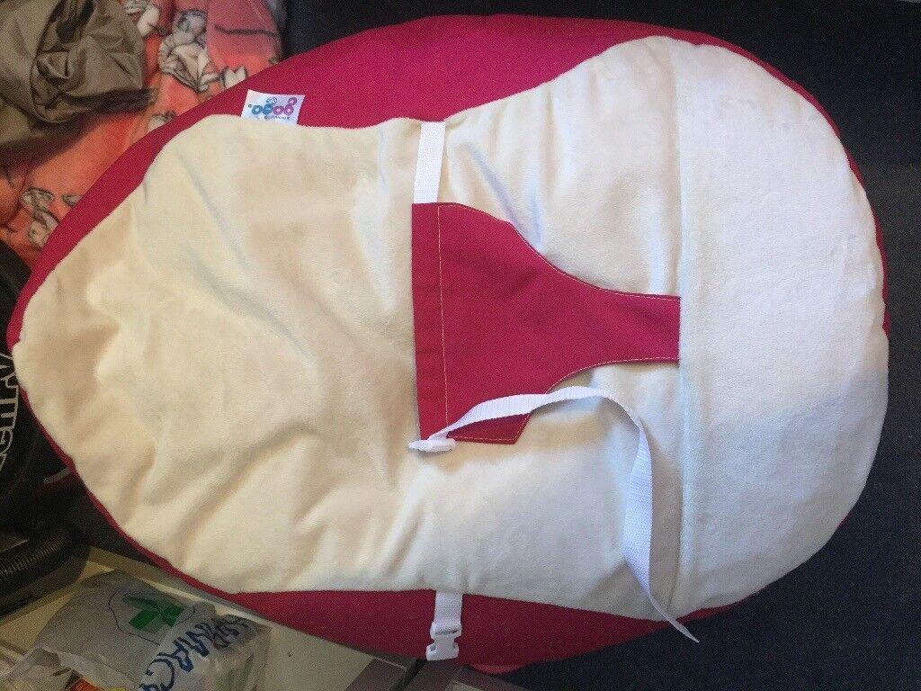 Luxury Cuddle Soft Gaga© Baby Bean bag chair pink and cream colour RRP £70