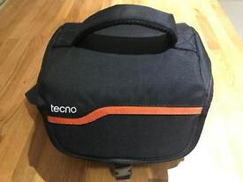 TECNO SLR DSLR padded CAMERA BAG with carry handle and shoulder strap