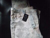 Hi Waisted size 16 skinny Jeans