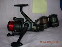 Shimano aaero baitrunner 5010 and spare spools