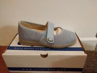 Cosyfeet Koryl Flats - Size 4 - Colour : Pale Blue