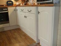 Shaker style Kitchen Units in cream/ivory