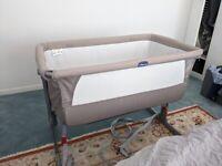 Chicco Next2Me crib & sheets