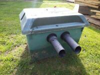 Oasis / Lotus green 2 clean 18000 pond filter.