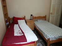 KING SIZE DOUBLE ROOM IN A FLAT