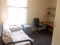 Single room to rent (Shared House) Bill inclusive Only £500.00!!!