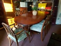 Vintage Extending Dining Table with 6 Chairs (2 carvers)