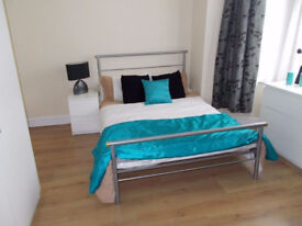 Large Ensuite with Bills!! - Working Professionals only!