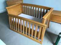 Mamas and Papas Ocean cot bed and drawers