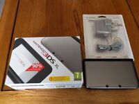NINTENDO 3DS XL BLACK /SILVER CONSOLE ( 2 Months Old )