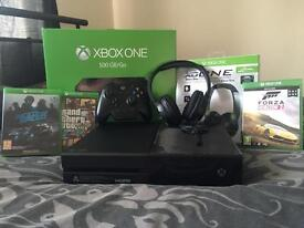 Xbox one 500gb, 1 controller, 3 games and headset