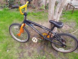 MUDDYFOX X-RAY BMX BIKE BICYCLE
