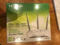TP-Link 300 Mbps wireless WiFi booster