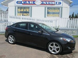 2012 Ford Focus TITANIUM!! HTD LTHR!! ONLY 20,000 KMS!! SUNROOF!
