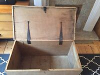 Vintage Victorian chest / blanket box / kist