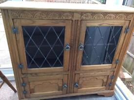 Old Charm Style Cabinet