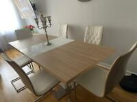 Stunning extendable dining table and 6 chairs set