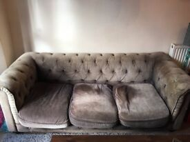 3-Seater Grey Velvet Chesterfield Sofa