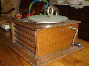 Victrola, Phonograph, Gramophone Table Top Model