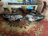 Pairs of the Headlights Land Rover Discovery sport