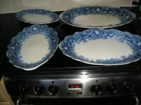 4 willow pattern plates