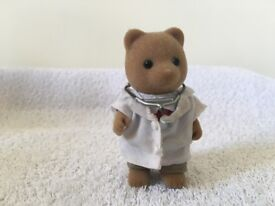 Sylvanian Families Cottage Hospital with accessories