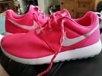 Size 4.5 Genuine Nike Roche trainers