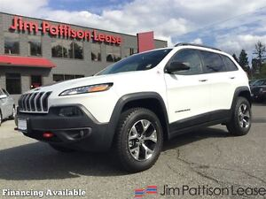 2016 Jeep Cherokee Trailhawk w/nav, leather, roof