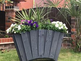 BRAND NEW LARGE PLANTER