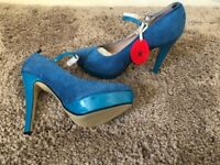 Ladies shoes size 6, brand new with box