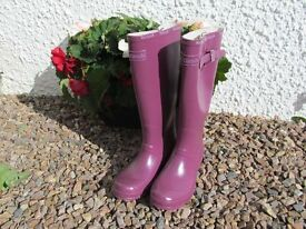 Ladies/girls purple wellies, as new, size 6