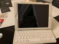 Cream Bluetooth iPad keyboard