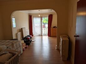 Extra large double room in kingsbury fully furnished and refurbished £700 including bills