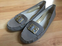 Calvin Klein - Kami Leather Sandals Flats Loafer Shoes Size US 7.5M - NEW!!!