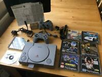 PS1 Consol 8 Games 2 Controllers